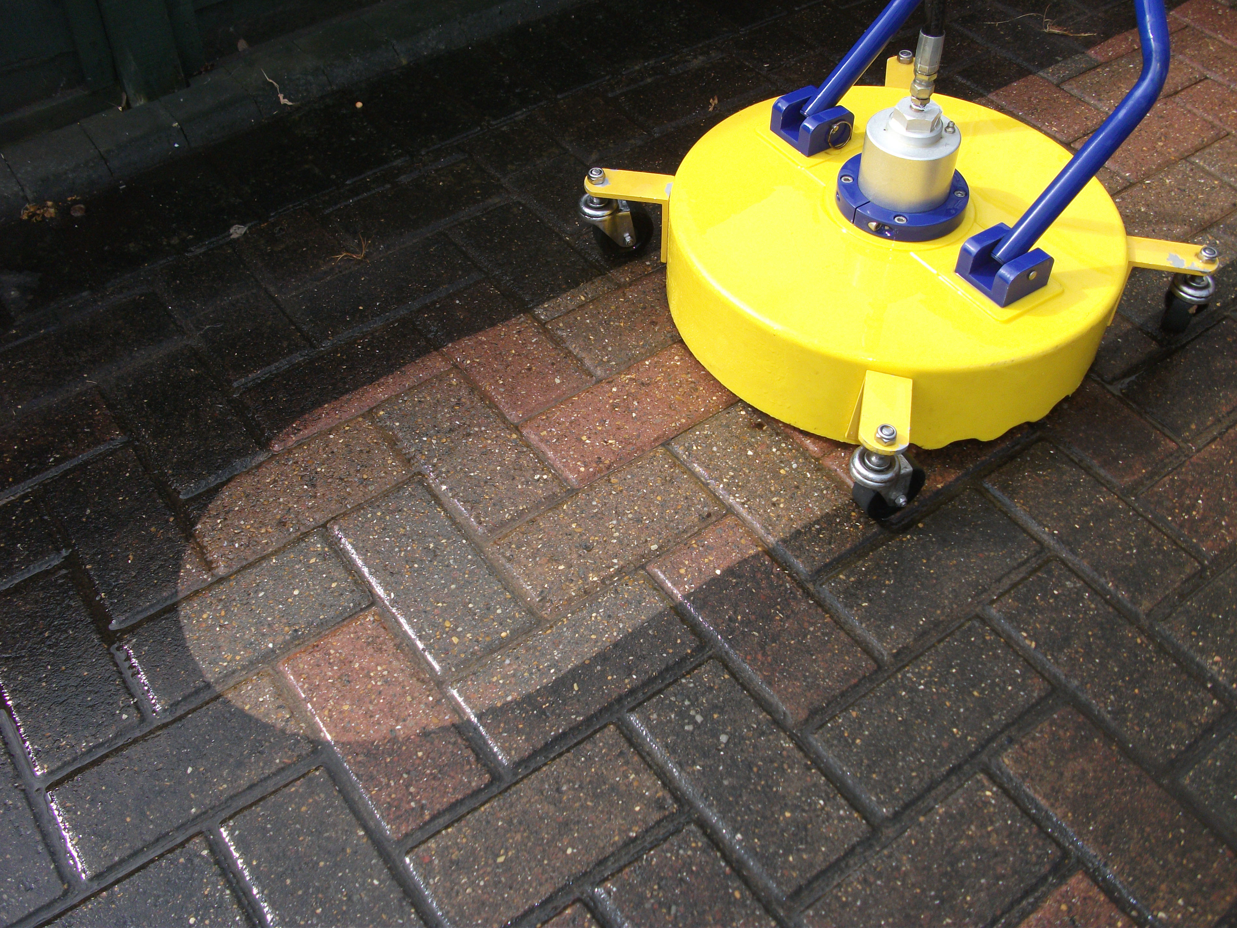 Driveway cleaning mkpps for Concrete pressure washer